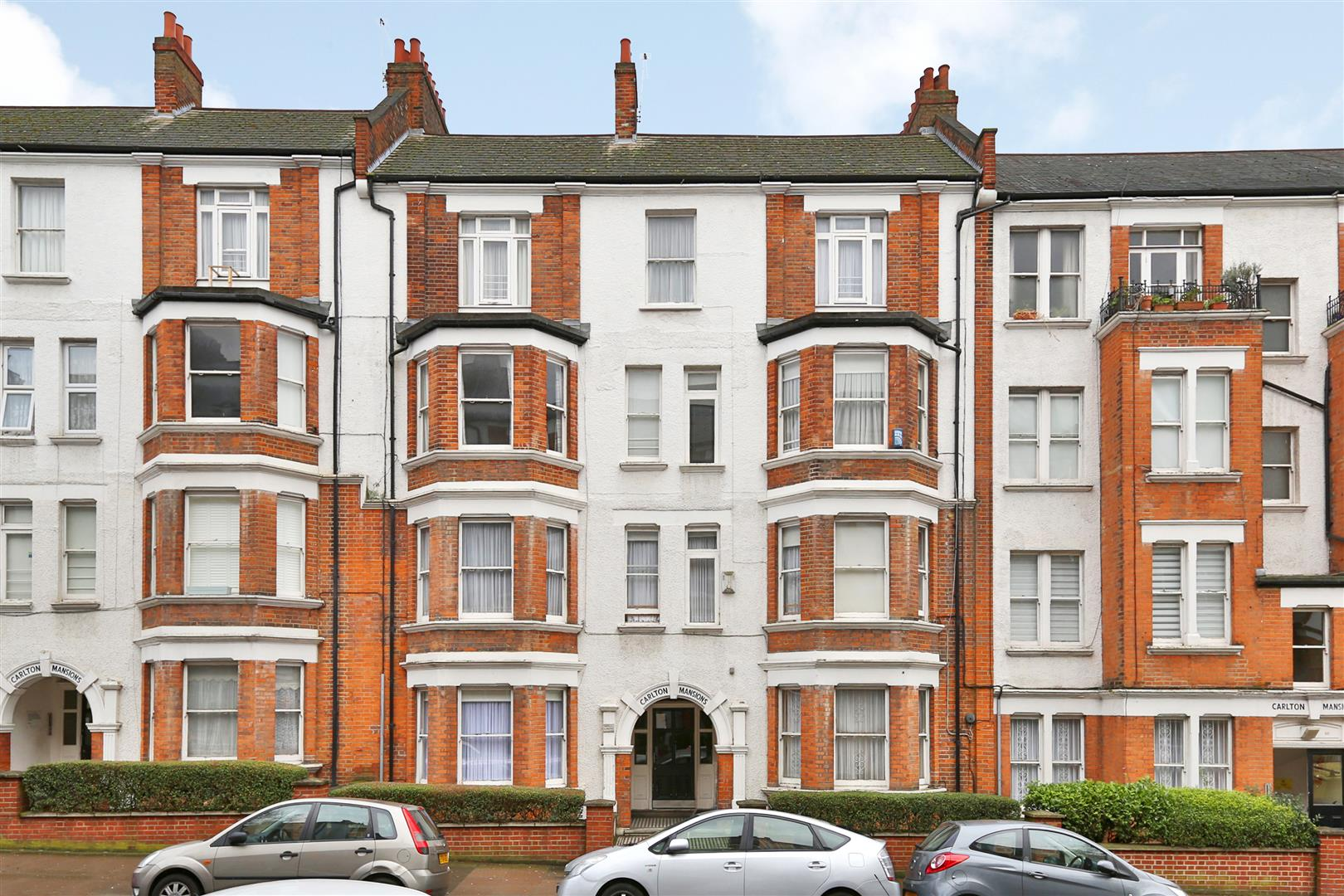 2 Bedrooms Flat for sale in Holmleigh Road, London